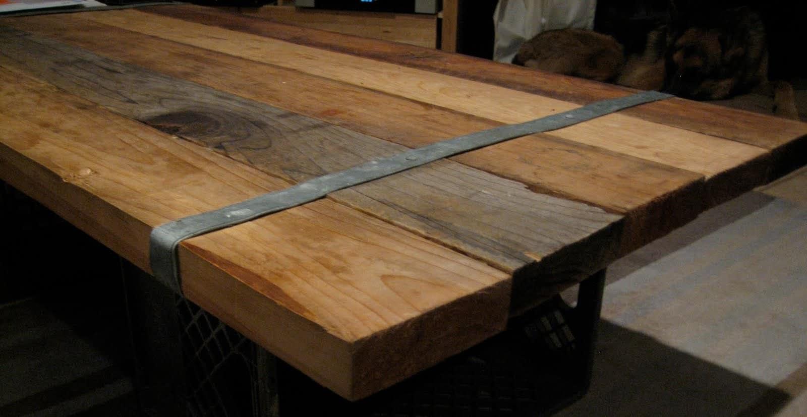 Hoe kun je zelf een tafel maken for Zelf meubels maken van hout